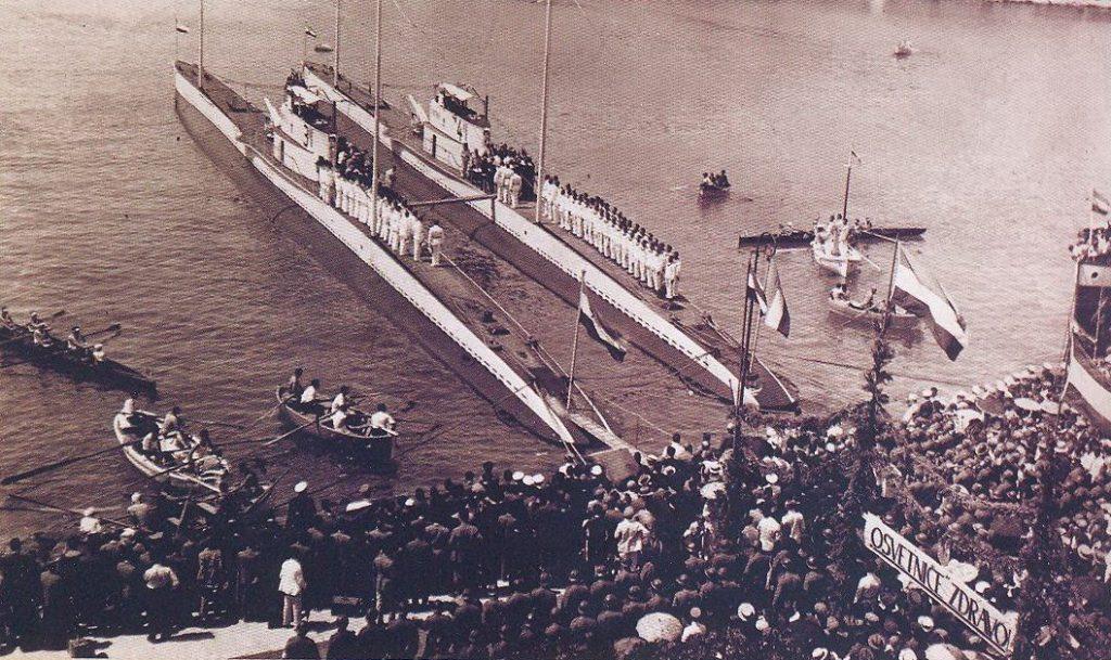 Ukoliko Vas zanima više informacija o istorijatu Jugoslovenskog podmorničarstva ovde možete pročitati više informacija.